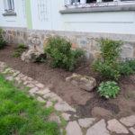 Původní rostliny budou doplněny keři a trvalkami
